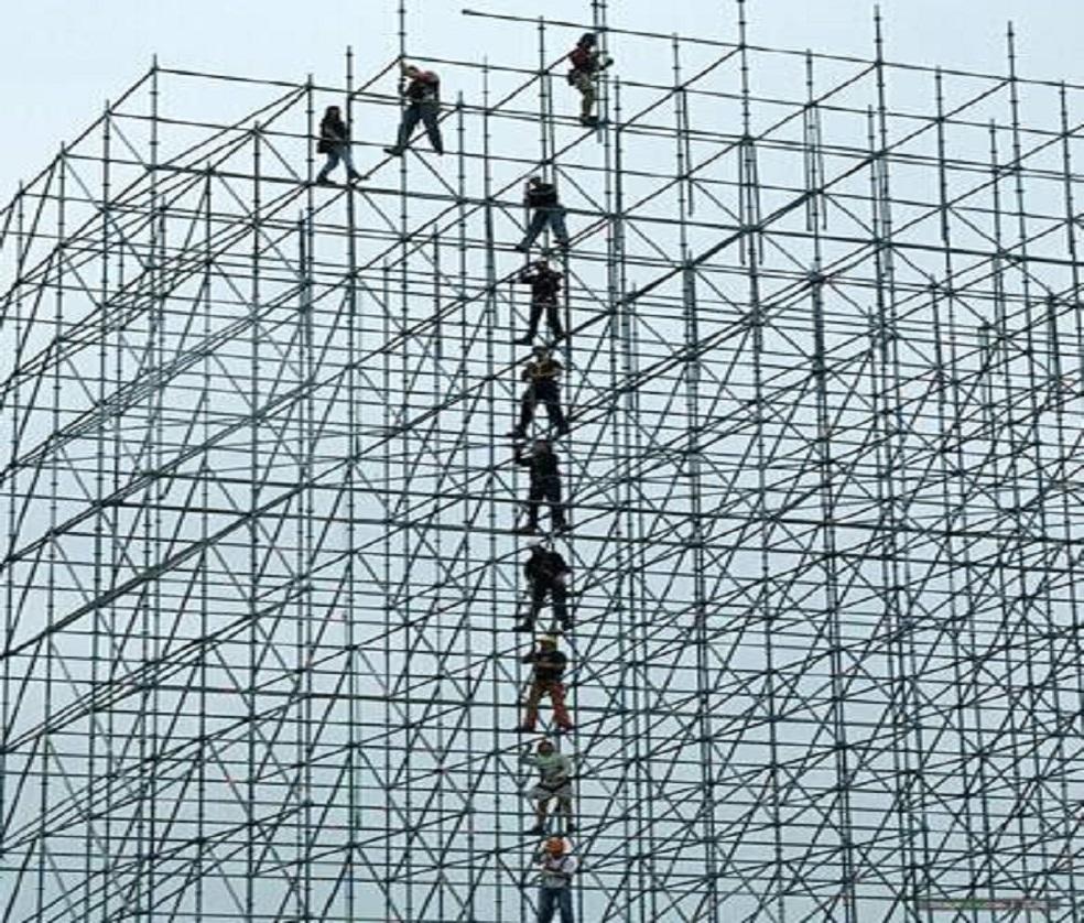 电力跨域钢管脚手架搭建