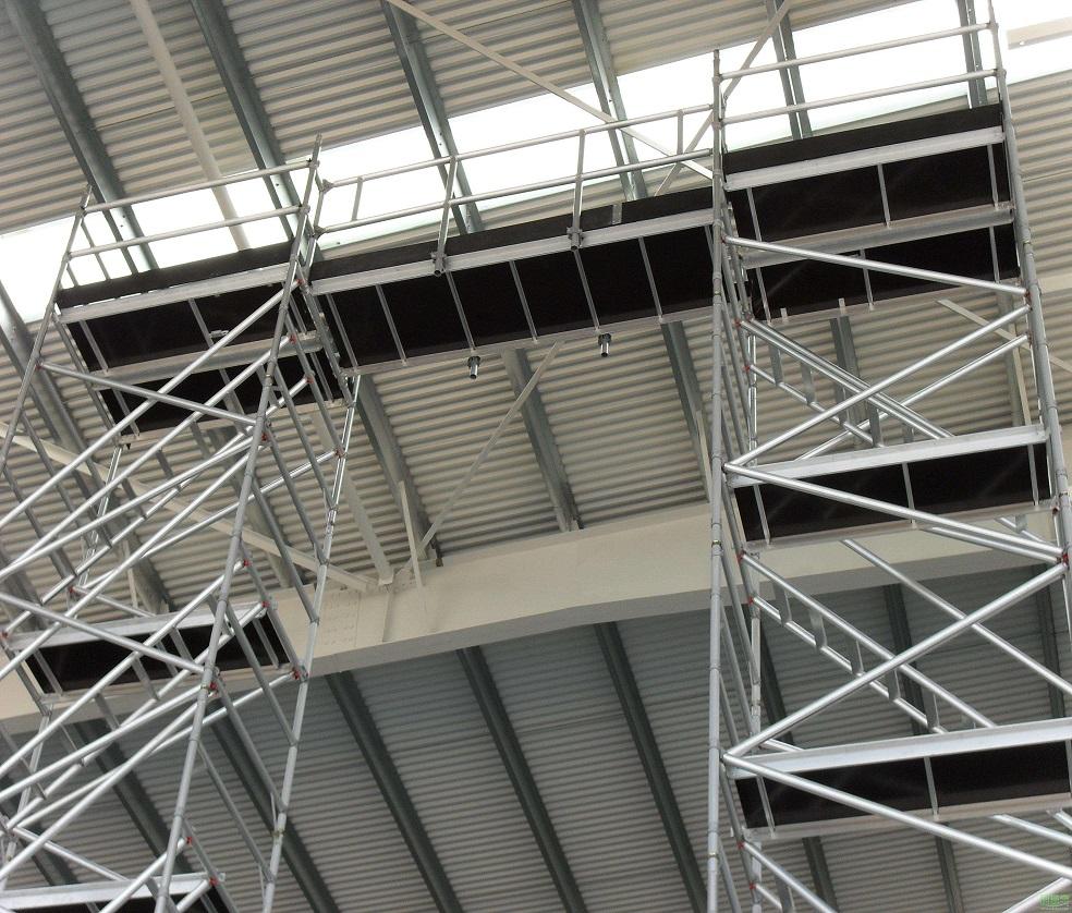 小型桥梁装饰钢管脚手架搭建